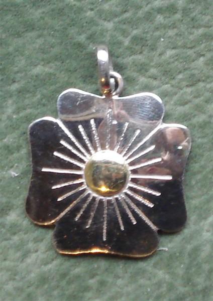 62e3466f2543 Dije flor del trebol   El Jagüel Estilo Criollo
